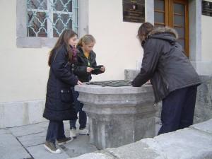 Tekst 1 sl 3 djeca u obiloasku kulturnih znamenitosti Kastva
